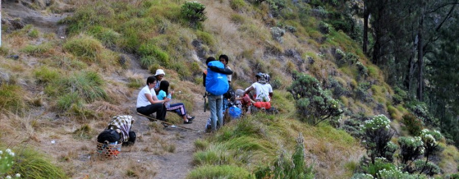 Mount  Rinjani Trekking  Lake 3 Days /  2 Nights Hot Spring Via Senaru
