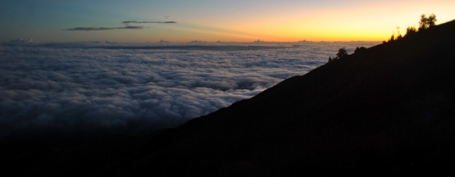 Mount Rinjani Trekking Summit 3 D/ 2 N start Senaru